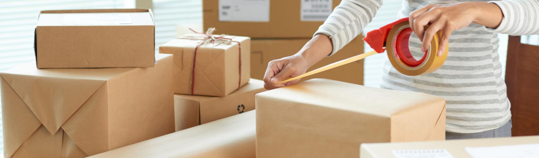 Taping shipping carton