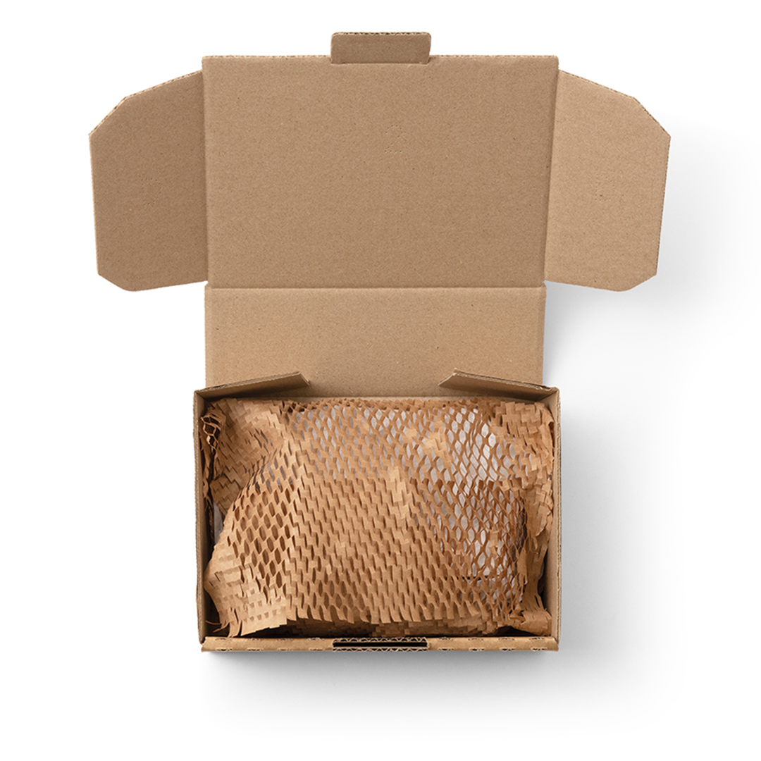 Geami package in mailing box