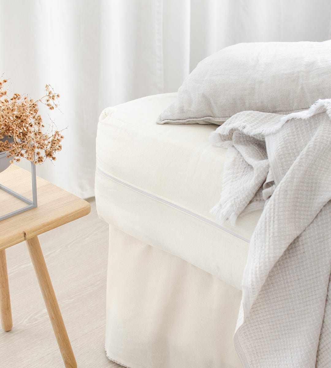 The Natural Bedding Company Mattress with Linen